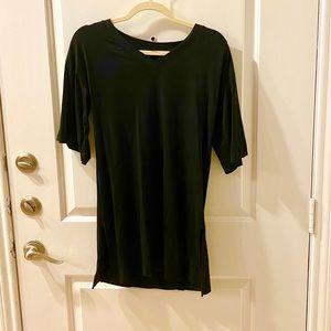 Uniqlo Long V neck t shirt